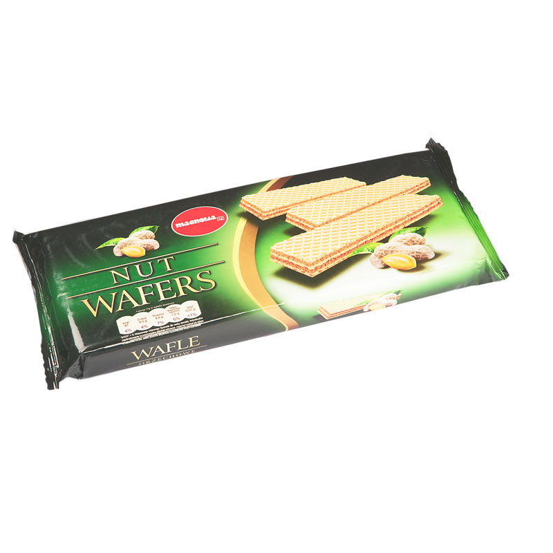 Wafers with peanut filling