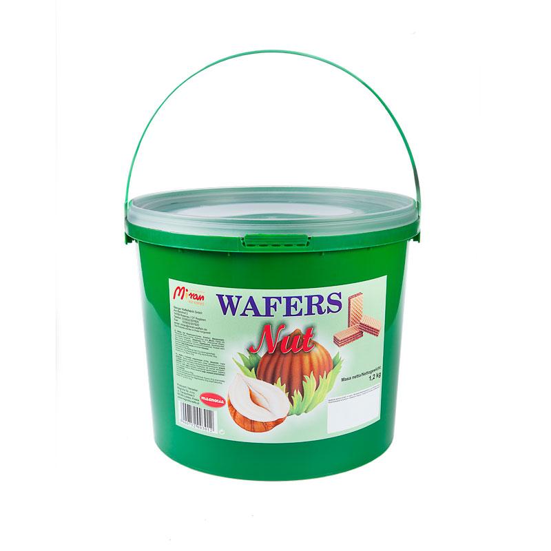 Wafers with hazelnut filling in a bucket
