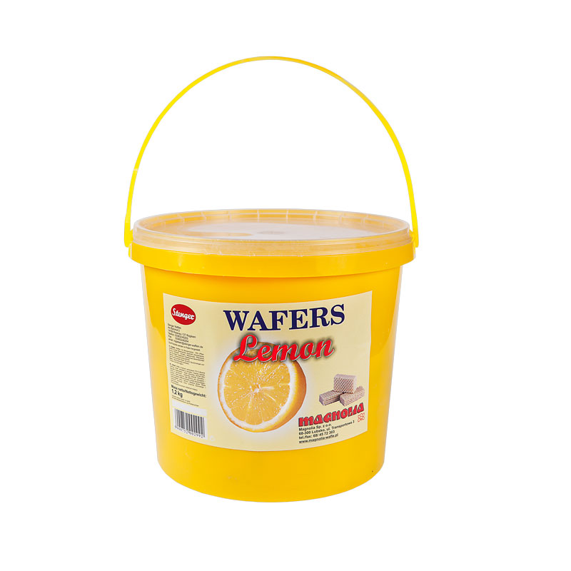 Wafers with lemon filling in a bucket